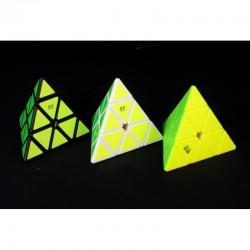 Qiyi pyraminx negro